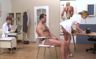 Porno na enfermaria com Graziella Diamond , Tarra White e Gaby Gome