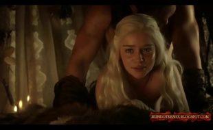 Emilia Clarke nua em um compilação super quente porno