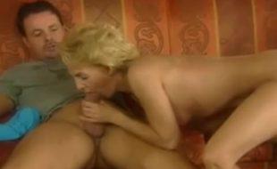 Mulheres maduras fazendo sexo