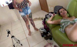Suruba com as novinhas na casa do meu amigo * Lipe Louco * Manddy May * Alana Kralissa * Teh Angel *